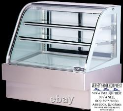 Spartan SD-60 Curved Glass Deli Case, 59, Bottom Mounted Self-contained